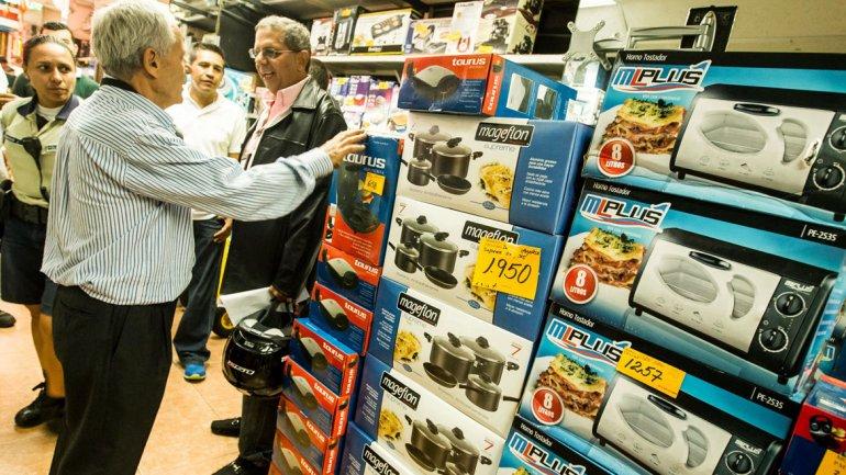 Las ventas minoristas cayeron un 8,1 por ciento en julio